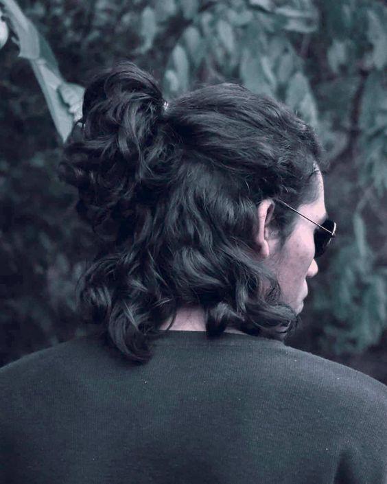 half up half down long hairstyle